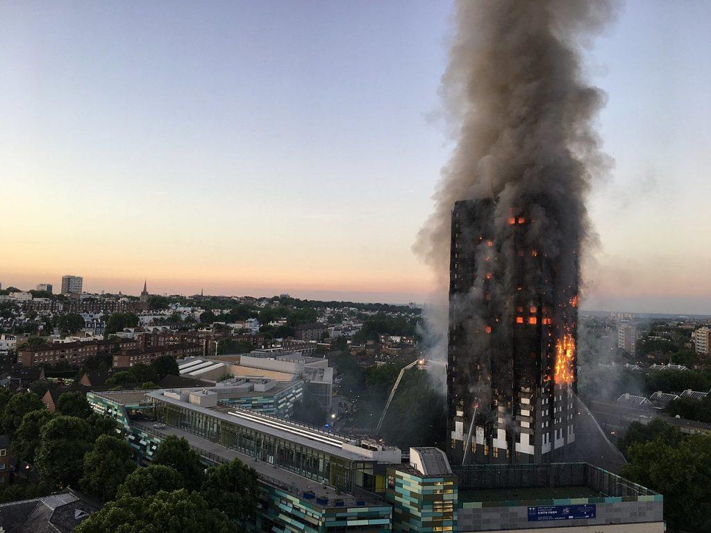 https://en.wikipedia.org/wiki/Grenfell_Tower#/media/File:Grenfell_Tower_fire_(wider_view).jpg